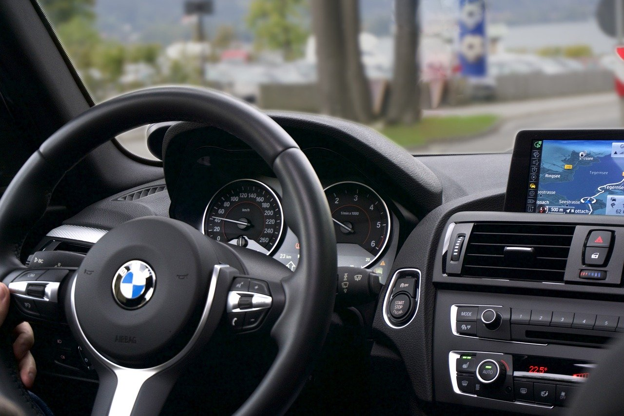 Jak wybrać odpowiednie auto na abonament?