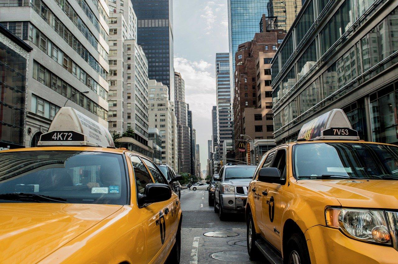 Korzyści z wynajmu samochodów dostawczych